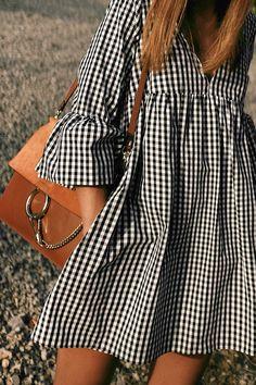 Outfit: Vichy print dress at sunset - Summer Dresses Simple Dresses, Cute Dresses, Casual Dresses, Casual Outfits, Cute Outfits, Stylish Dresses, Look Fashion, Hijab Fashion, Fashion Dresses