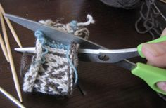 See Eunny Knit!: The Steeking Chronicles: The Crocheted Steek