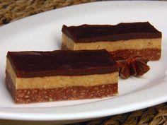Káprázatos csokis diós szelet sütés nélkül! Ebből a sütiből a dupla adag is kevés, annyira finom! - MindenegybenBlog