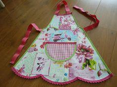 Lekker Fleurig, kinder schort, kinderschort, apron,kids apron, tafelzeil, oilcloth