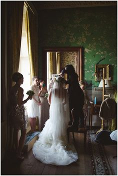 Vera Wang Wedding Dress // Belvoir Castle Wedding // McKinley Rodgers…
