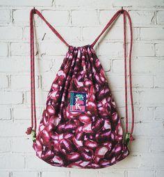 Tolle Kreation mit Zwiebeln, riecht aber besser!  #diy #geschenk #selbst #selber #nähen #geschenkidee #selbstgemacht #selbermachen #turnbeutel #anleitung für #anfänger #einfach #festival #festivalbag #raverbag Bags, Fashion, Simple, Cinch Bag, Homemade, Amazing, Tutorials, Handbags, Moda