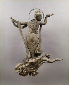 Unchu Kuyou Bosastu statue, Byodo-in temple, Kyoto, Japan