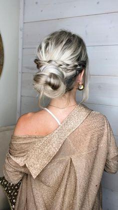 Bun Hairstyles For Long Hair, Work Hairstyles, Pretty Hairstyles, Hairdos, Updos, Hair Up Styles, Great Hair, Bridesmaid Hair, Hair Videos