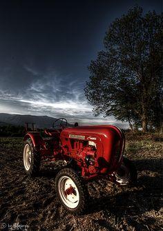 #Design #Porsche #Traktor