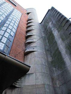 Amsterdamse school by udo geisler, via Flickr