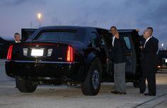 """Barack Obama a punto de subir a su limusina """"La Bestia"""" en la base Andrews Air Force, cerca de Washington, a donde regresó con su familia después de un largo viaje de 7 días por África. Foto: Reuters REUTERS"""