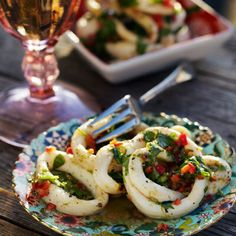 Grillade bläckfiskringar med smak av chili och koriander.