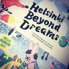 #FlashbackFriday Dieses Buch erschien 2012 als #Helsinki World Design Capital war. Ein Buch über Nachhaltigkeit und Stadtentwicklung ... Und ganz frisch im Archiv auf meinem Blog  (link in Bio) #wdc2012 #design #foundagain #book #rediscover #onmybookshelf #whatdoyouread #backinthosedays #backtothefutur #bttf