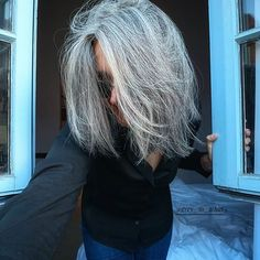 🇬🇧 I hate mornings. especially when it is raining. cause you don't know what to wear, you hesitate between no makeup and darker… Welsh, Transition To Gray Hair, Going Gray, Grey Hair, Hair Day, Hate Mornings, Dreadlocks, Instagram, Hair Styles