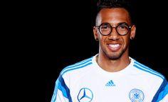 """Jerôme Boateng: """"Ich habe über 13 Brillen!"""""""