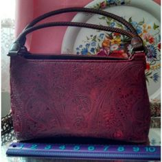 Relic maroon faux leather tooled textured handbag purse carry all