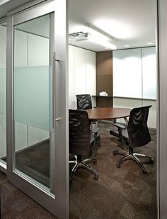 Group Study Room - DIRTT Environmental Solutions - Sliding Doors