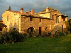 Been in this house for a painting retreat! Montisi - Beautiful!