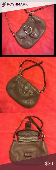 Slightly used small genuine leather purse This cute little brown purse is great for a night out Banana Republic Bags Mini Bags