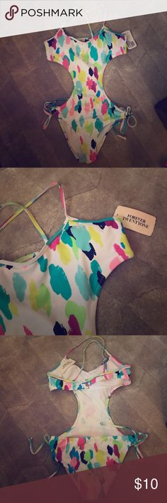 Forever 21 bathing suit , never worn. New with tags, bought 2 seasons ago, and was too shy to wear it. Very cute on tho. Size small. Forever 21 Swim One Pieces
