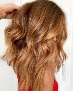 Reddish Blonde Hair, Cool Blonde Hair Colour, Hair Color Auburn, Balayage Hair Blonde, Ash Blonde, Auburn Blonde Hair, Reddish Brown, Light Caramel Hair, Caramel Blonde Hair