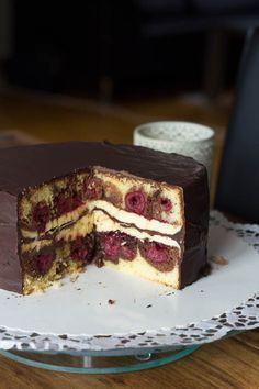 Donauwellentorte. Ich liebe Donauwelle ♥ Meine Oma hat immer so leckere gebacken, aber als Blechkuchen.