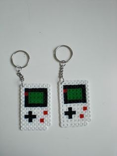 * Happy Toys *: Llaveros con Hama Beads :)