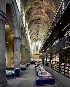 Selexyz Dominicanen, Bookstore in Maastricht the Netherlands
