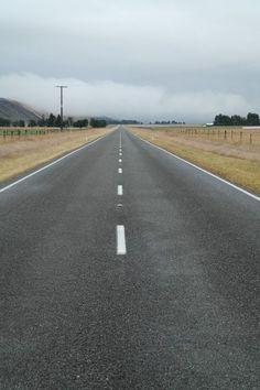 'Gerade Straße - Neuseeland' von stephiii bei artflakes.com als Poster oder Kunstdruck $15.68