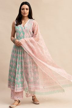 Designer Wear: Shop Designer Ethnic Wear by Farida Gupta Casual Indian Fashion, Indian Fashion Dresses, Indian Designer Outfits, Girls Fashion Clothes, Clothes For Women, Party Wear Indian Dresses, Indian Bridal Outfits, Dress Indian Style, Fancy Dress Design