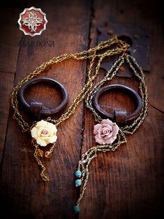 Sesión de Fotos. Joyería artesanal 100% hecha a mano, Envíos a cualquier parte del mundo. Nuestra Página Web: http://barbosajewelry.com/ Nuestro Facebook: https://www.facebook.com/Barbosacollection Nuestro Instagram: http://instagram.com/barbosa_collection/ Nuestro Twitter: @Barbosa_Jewelry