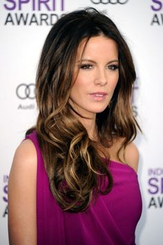 Kate Beckinsale Photos - Actor Kate Beckinsale arrives at the 2012 Film Independent Spirit Awards on February 25, 2012 in Santa Monica, California. - 2012 Film Independent Spirit Awards - Arrivals