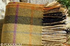 Prehoz z jahňacej vlny – viacfarebný   PODDEKOU Wool Blanket, Plaid Scarf, Blankets, Blanket, Carpet, Quilt