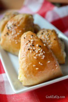 Greek Pastries, Hamburger, Food And Drink, Bread, Snacks, Cooking, Recipes, Mini, Kitchen
