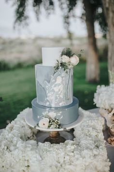 Gorgeous Marbled wedding cake from the Rebecca Ingram Wedding Dress - Styled Shoot featured on The Budget Savvy Bride Wedding Cake Designs, Wedding Cupcakes, Wedding Cake Toppers, Cake Wedding, Wedding Reception, Dusty Blue Weddings, Wedding Cake Inspiration, Elegant Wedding Dress, Wedding Dresses