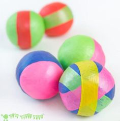 No Sew Juggling Balls | The house will really feel like a circus with this great juggling craft!