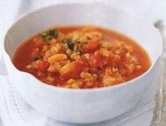 Das Rezept für Rote-Linsen-Suppe mit Aprikosen und Kreuzkümmel von Cynthia Barcomi und weitere kostenlose Rezepte auf LECKER.de