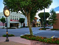 Downtown Fairhope Ave.
