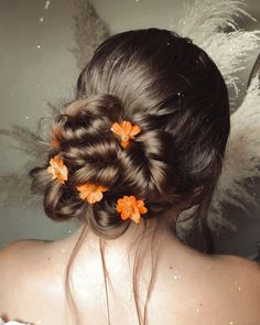42 Chic And Easy Wedding Guest Hairstyles ❤ wedding guest hairstyles swept volume bun with bright flowers styles_by_reneemarie #weddingforward #wedding #bride #weddingguesthairstyles #weddinghair #bridalbeauty Easy Wedding Guest Hairstyles, Pretty Updos, Chic Hairstyles, Bridal Updo, Bright Flowers, Shoulder Length Hair, Bridal Beauty, Flower Fashion, Simple Weddings