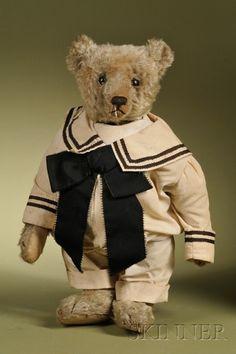 Steiff Beige Teddy Bear | Sale Number 2476, Lot Number 231 | Skinner Auctioneers