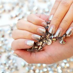 Searching for the perfect at home manicure? Add gradient sparkle to your nails with clear and silver glitter Dripping in Diamonds! Wear these glitter and clear strips alone on bare nails or layer over your favorite nail color for a dazzling effect. Get salon perfect nails at home with Color Street! #fallnaildesign #easynaildesign #colorstreetnails