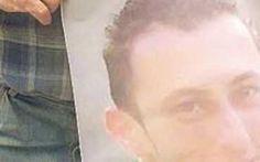 """Andrea, vittima degli scherzi dei bulli sul web: """"Non voleva più uscire"""", si impicca a 26 anni VERCELLI - Si è tolto la vita impiccandosi nella sua camera da letto e ora i genitori di Andrea Natali, 26enne di Borgo d'Ale, paese in provincia di Vercelli, chiedono giustizia. Il ragazzo, infatti, #andrea #bullismo #morte"""