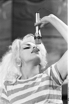 vintage vixen obsessed, ghoulish-glam:   Nina Hagen