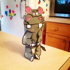 Hippo Craft Hippo Crafts, Gingerbread Cookies, Table Lamp, Home Decor, Gingerbread Cupcakes, Table Lamps, Decoration Home, Room Decor, Home Interior Design