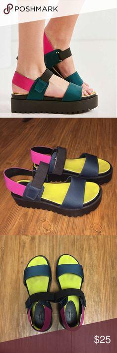 7d85a805bd6 Urban Outfitters Scuba Platform Sandals