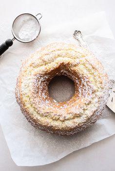 Italian Fresh Cream Lemon Cake by anitalianinmykitchen: An easy made from scratch, the perfect homemade breakfast, snack cake. An Italian sweet cake. Enjoy! #Cake #Lemon_Cream