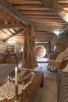 El interior hecho de madera.