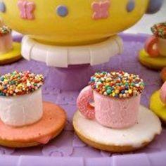 Teacup mini cakes.