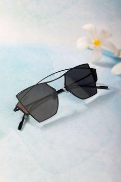 a333f6a773 Buy Vajor Black Metal Full Frame Sunglasses online