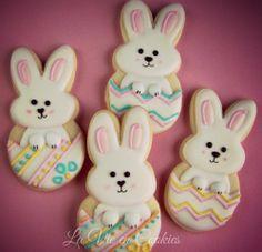 hatching bunnies      http://lavieencookies.wordpress.com/