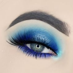 Currently editing my team mystic inspired makeup but I thought I would give you a sneak peak. Products: @limecrimemakeup glass slipper super foil. @urbandecaycosmetics electric palette. @suvabeauty blue lagoon eyeshadow and satire hydra cream base. @lashesbylena Serena lashes. @sugarpill lumi on the inner corner. @makeupforeverca Aqua xl liner for the blue in my waterline. #teammystic