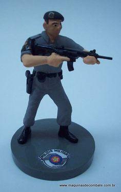 Miniatura em Resina de Policial da ROTA (Rondas Ostensivas Tobias de Aguiar). www.maquinasdecombate.com.br