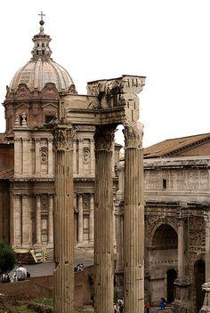 Rom, Forum Romanum, Vespasian-Tempel, SS. Luca e Martina und Septimius-Severus-Bogen (Roman Forum, Temple of Vespasian, SS. Luca e Martina and Arch of Settimius Severus)