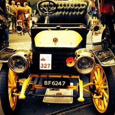 #regentstreet #regentstreetmotorshow #motorshow - @illustrated_dee Piccadilly Circus, Super Cars, Antique Cars, Automobile, History, Vintage Cars, Car, Historia, Motor Car